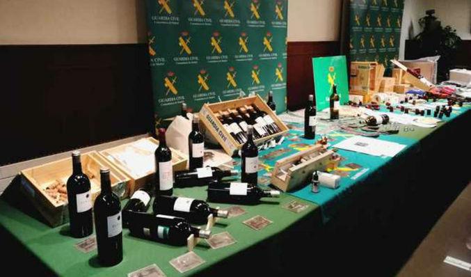 Cuatro detenidos por vender y falsificar botellas de vino de alta ... ab21343eff377