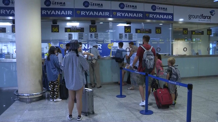 dae35eab0 Ryanair cobrará por el equipaje de mano a partir de noviembre EL MUNDO