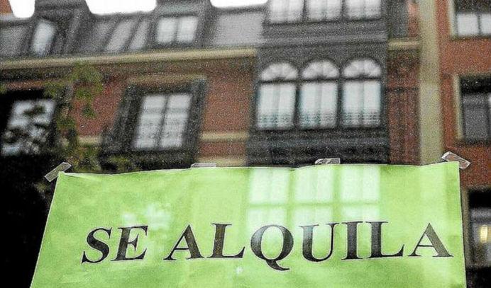 Ábalos cambiará la ley de alquiler del PP y perseguirá las viviendas vacías para frenar la escalada de precios