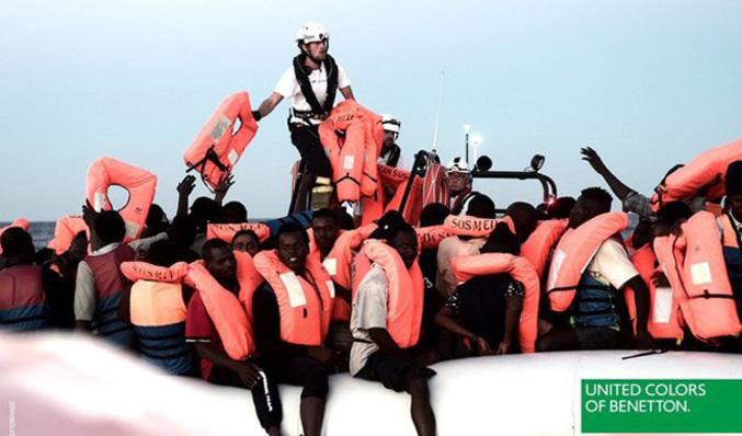 Benetton desata la polémica al usar una foto de los inmigrantes del  Aquarius en una de sus campañas EL MUNDO 5c6b175085542