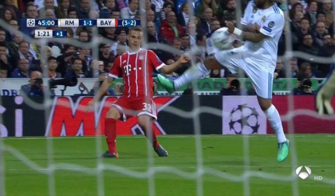 Champions League  Polémica en Real Madrid vs Bayern Munich  La mano ... eed8e0ed03150