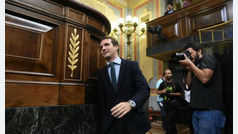PP y Ciudadanos exigen a Sánchez que convoque ya elecciones ante un Gobierno que se cae a pedazos