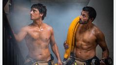 Los bomberos de Zaragoza encienden la polémica con este calendario