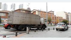 Muere una ciclista arrollada por un camión en Bilbao