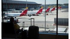 Las aerolíneas alertan ante el caos que provocará la huelga de vigilantes de seguridad en Barajas