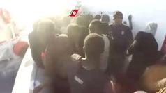 Salvini amenaza con enviar a Libia a 177 inmigrantes varados cerca de Lampedusa