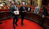 Puigdemont lleva al caos al Parlament para que no acate al Tribunal...