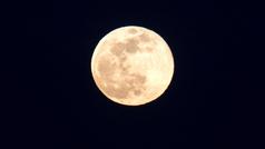 Impresionantes imágenes de la superluna de nieve