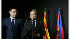 """Tsunami Democrátic pide a Barça y Madrid que permitan la pancarta """"España, siéntate y habla"""""""