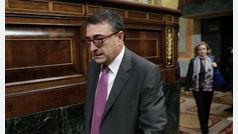 El Gobierno anuncia que ultima un acuerdo de Presupuestos con el PNV y los vascos lo niegan