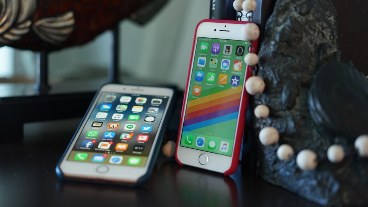 9cbebdfd070 Probamos los iPhone 8, ¿merecen la pena frente al iPhone X? | Tecnología  Home | EL MUNDO