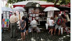 Artistas de la bohemia Montmartre plantean irse por culpa de las terrazas