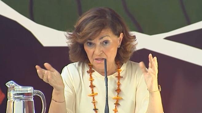 """Carmen Calvo asegura que el feminismo se lo ha """"currado"""" el socialismo: """"No es de todas, bonita"""""""