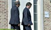 El ex 'president' de la Generalitat, Carles Puigdemont, y el actual...