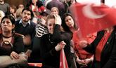 La oposición turca rechaza con caceroladas el resultado del...