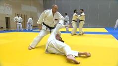 Vladimir Putin entrena con el equipo nacional ruso de judo y demuestra su excelente estado físico