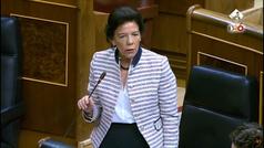 Isabel Celaá se inventa una estadística para negar el adoctrinamiento