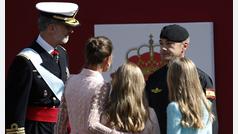 """La Reina Letizia al paracaidista accidentado: """"No te preocupes"""""""