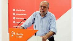 Francisco Igea defiende la abstención de Cs para frenar los acuerdos con los nacionalistas
