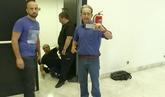 Interrumpe en un acto de IU sobre Venezuela al grito de