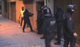 Vídeo editado por los Mossos en el que se ven las seis primeras...