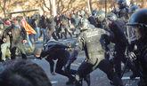 Primeras cargas policiales en Barcelona