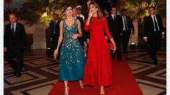 Duelo de estilo entre la reina Letizia y Juliana Awada en Argentina