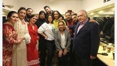 Rosalía se sube al escenario por sorpresa en una visita al Tablao cordobés de Barcelona en San Esteban