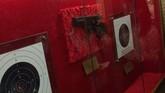 Una galería de tiro guarda en una vitrina los blancos de Kim Jong Il...