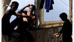 Acuerdo entre seis países europeos sobre el 'Aquarius': España acogerá a 60 inmigrantes