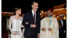 Letizia, un look blanco y radiante en Marruecos