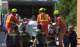 La familia del valenciano de 350 kilos trasladado en un camión...