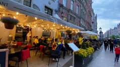 La afición del Villarreal crea ambiente ante la final de la Europa League en Gdansk (Polonia)