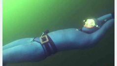 Nuevo récord de apnea dinámica 180 metros bajo el hielo