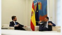 """Pablo Casado ofrece a Pedro Sánchez pactos para """"dos legislaturas"""" si rompe con los independentistas"""