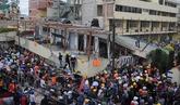 El derrumbe de un colegio por el terremoto deja decenas de niños...