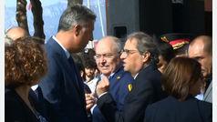 Garcia Albiol y Torra intercambian contrariados unas palabras antes del homenaje a las víctimas por el atentado terrorista en Cambrils
