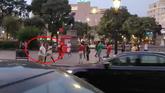 Así ha sido la agresión de unos manteros a un turista en Barcelona