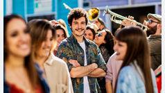 Fiesta y charanga en el estreno del videoclip de ?La venda? de Miki para Eurovisión