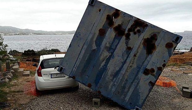 """Tornado en Ibiza: """"Se ha llevado la caseta con la gente dentro"""""""