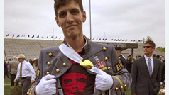 Spencer Rapone, el oficial expulsado del Ejército de EEUU por comunista