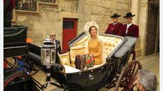 Victoria Federica debuta en Sevilla acompañada por sus padres