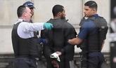 Detenido un hombre con varios cuchillos en el centro de Londres