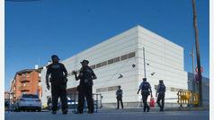 """Los Mossos matan a un hombre que entró en una comisaría de Cornellà al grito de """"Alá es grande"""""""