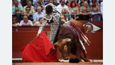 Un intratable Roca Rey abate a sus ídolos en Salamanca
