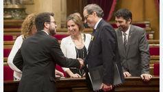 La suspensión de Puigdemont enfrenta a JxCat y ERC y bloquea el Pleno del Parlament