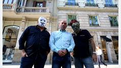 Los autores del himno de España durante la Diada prometen más acciones