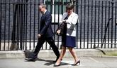 Theresa May abre las puertas de Downing Street a los unionistas del...