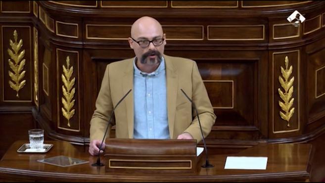 Hacienda corrige a Podemos: no se puede subir más el IVA del tabaco