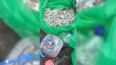 Se hace viral un vídeo de una playa de Tenerife llena de plásticos